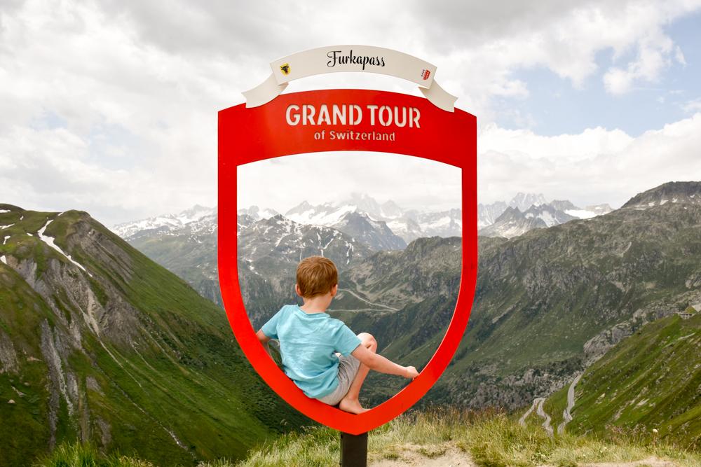 Kleine Grand Tour of Switzerland mit Familie Furkapass