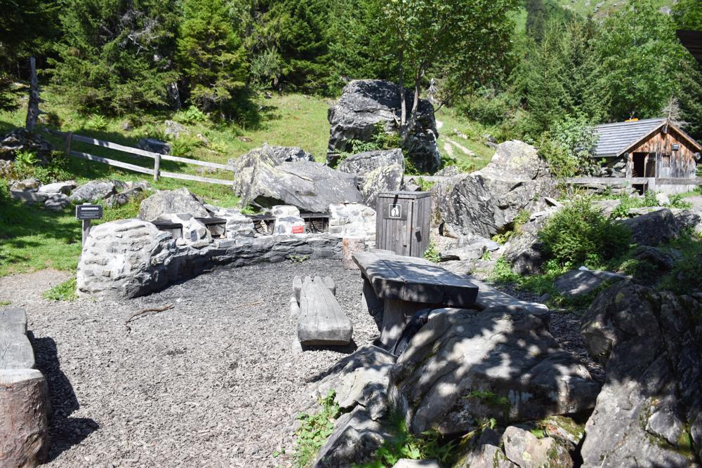 Ausflugstipp Familie Riesenwald Elm Glarus Schweiz Grillstellen