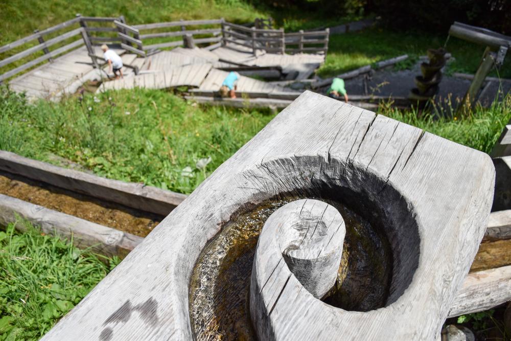 Ausflugstipp Familie Riesenwald Elm Glarus Schweiz Wasserstation