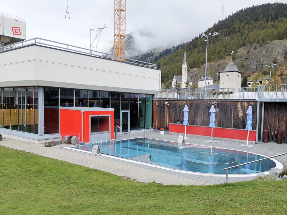 Familienwochenende Schweizerischer Nationalpark Engadin Graubünden Schweiz Familienbad Zernez