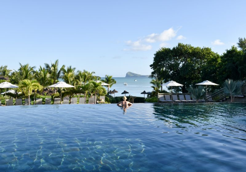 Hoteltipp Mauritius Hotel Zilwa Attitude Travel Sisi im Pool