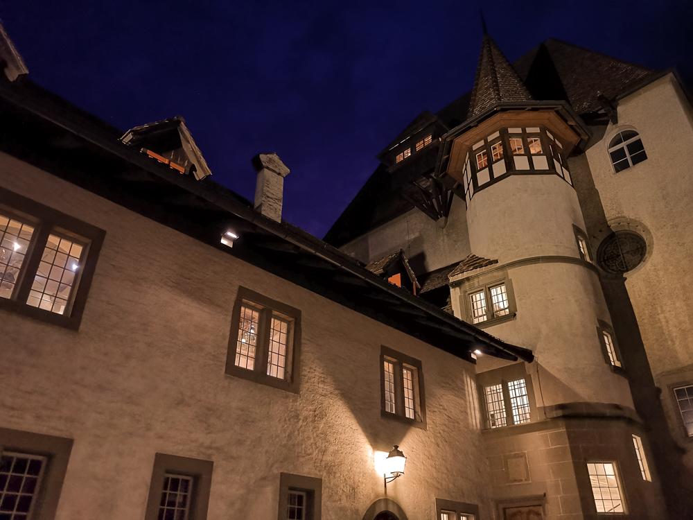 Jugendherberge Schloss Burgdorf Emmental Schweiz Schloss bei Nacht