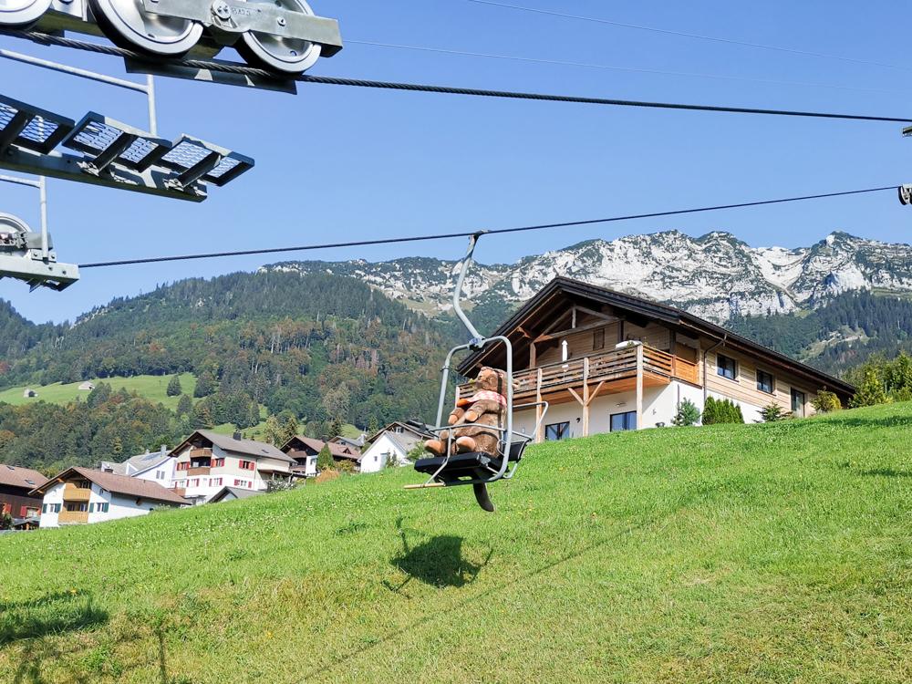 Munggeweg Amden St. Gallen Schweiz Amdo auf der Sesselbahn Mattstock
