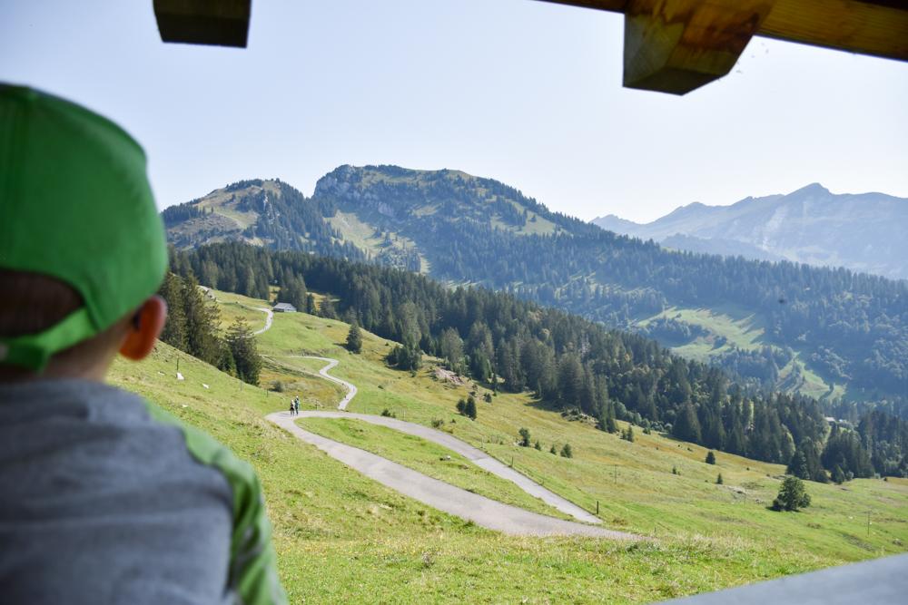 Munggeweg Amden St. Gallen Schweiz Aussichtsreiche Wanderung für Klein und Gross