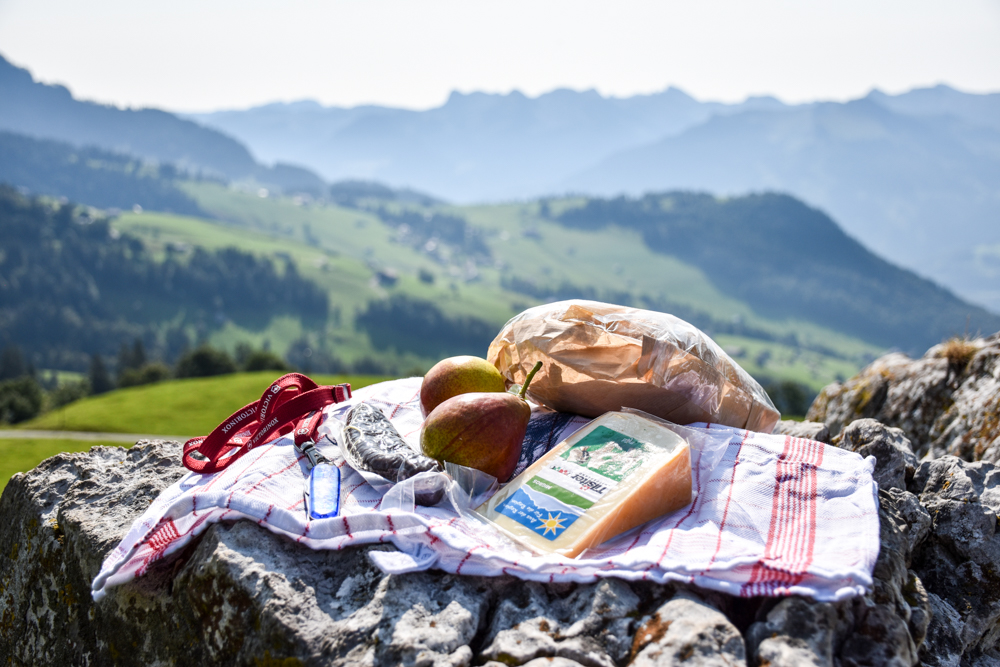 Munggeweg Amden St. Gallen Schweiz Picknick mit Aussicht