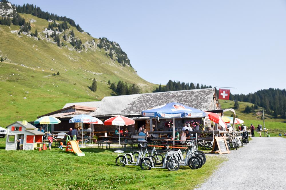 Munggeweg Amden St. Gallen Schweiz Restaurant Alpstübli Strichboden