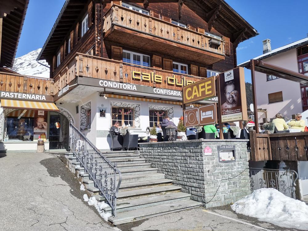 Winterferien Disentis Sedrun Graubünden Schweiz Cafe Dulezi Sedrun