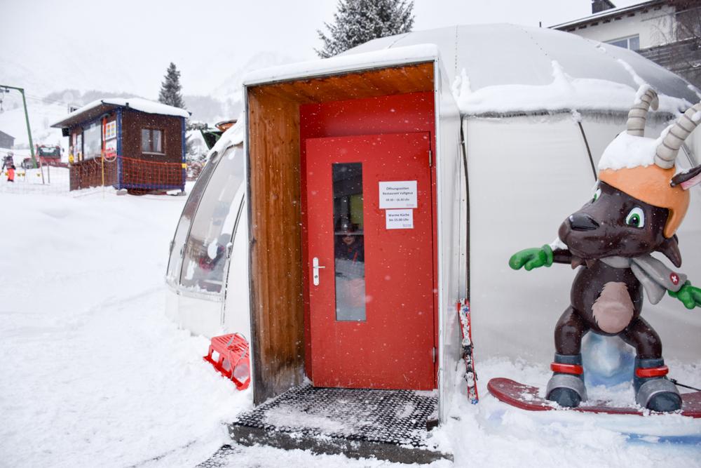 Winterferien Disentis Sedrun Graubünden Schweiz Druni Familienrestaurant Sedrun