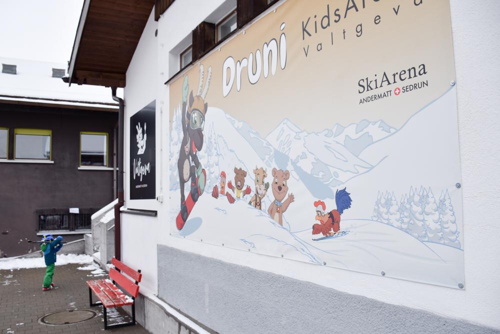 Winterferien Disentis Sedrun Graubünden Schweiz Druni Kids Arena Sedrun