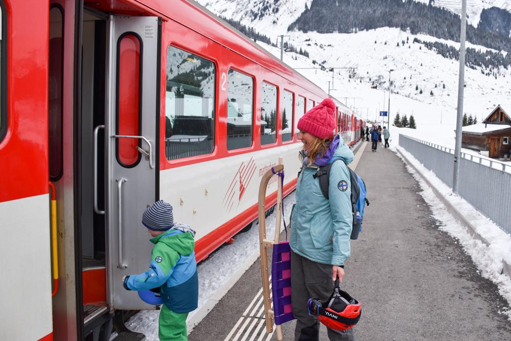Winterferien Disentis Sedrun Graubünden Schweiz Matterhorn Gotthard Bahn