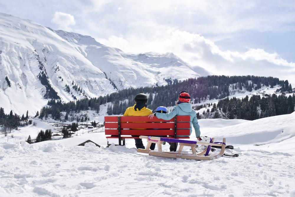 Winterferien Disentis Sedrun Graubünden Schweiz Schlittelpiste Milez Dieni Sedrun