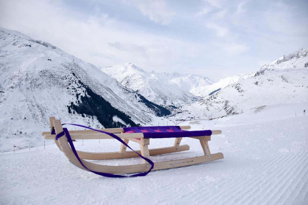 Winterferien Disentis Sedrun Graubünden Schweiz Schlittelpiste Nätschen Andermatt