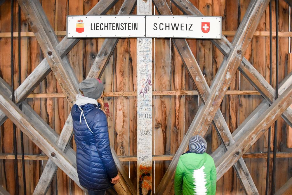 Ausflugstipp Walderlebnispfad Vaduz Liechtenstein Grenze Liechtenstein Schweiz