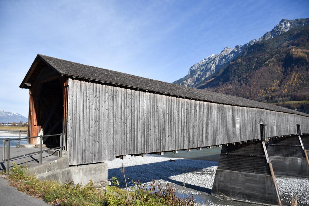 Ausflugstipp Walderlebnispfad Vaduz Liechtenstein alte Rheinbrücke Vaduz Liechtenstein