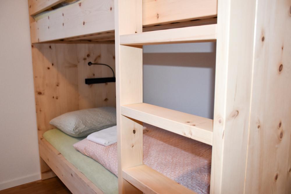 Winterweekend Laax wellnessHostel3000 Graubünden Schweiz Stockbett Familienzimmer