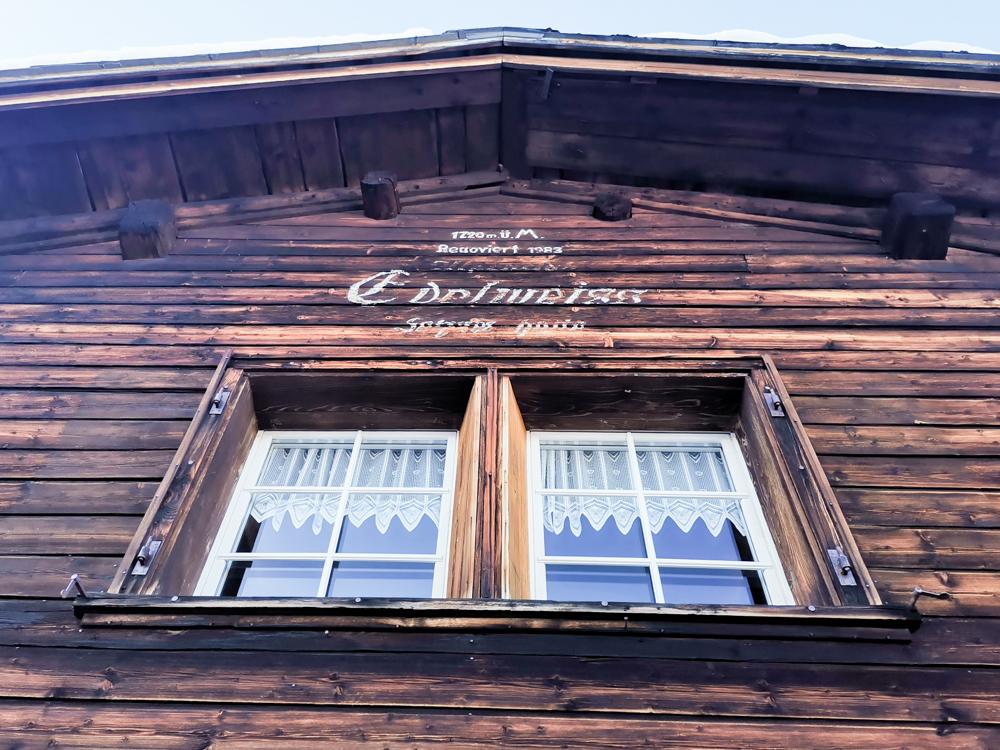 Winterwanderung Edelweiss-Rundweg Brambrüesch Graubünden Schweiz Edelweisshütte