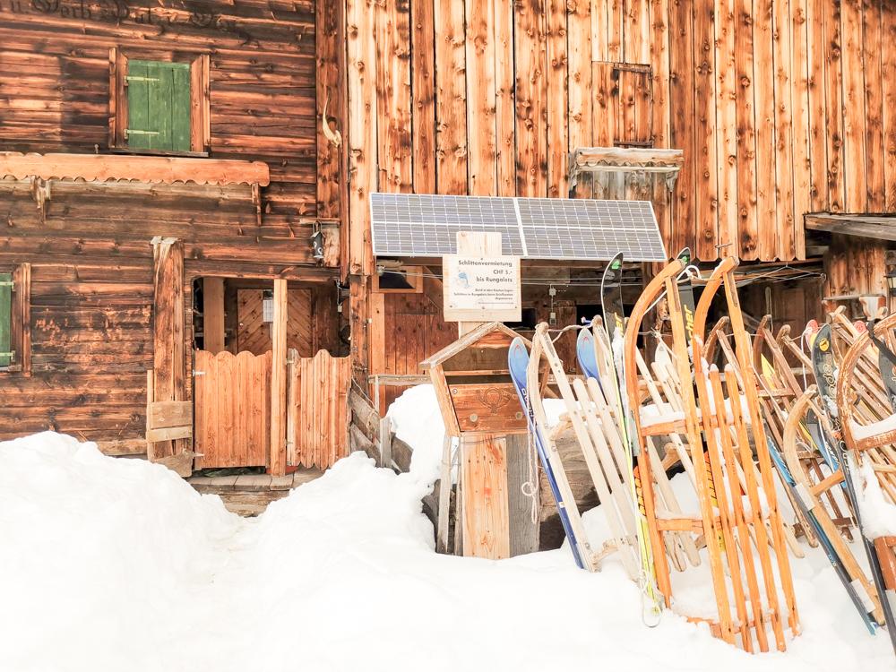 Ausflugstipp Winterwanderung Panoramaweg St. Antönien Pany Prättigau Graubünden Schweiz Schlittenvermietung Bodähütta