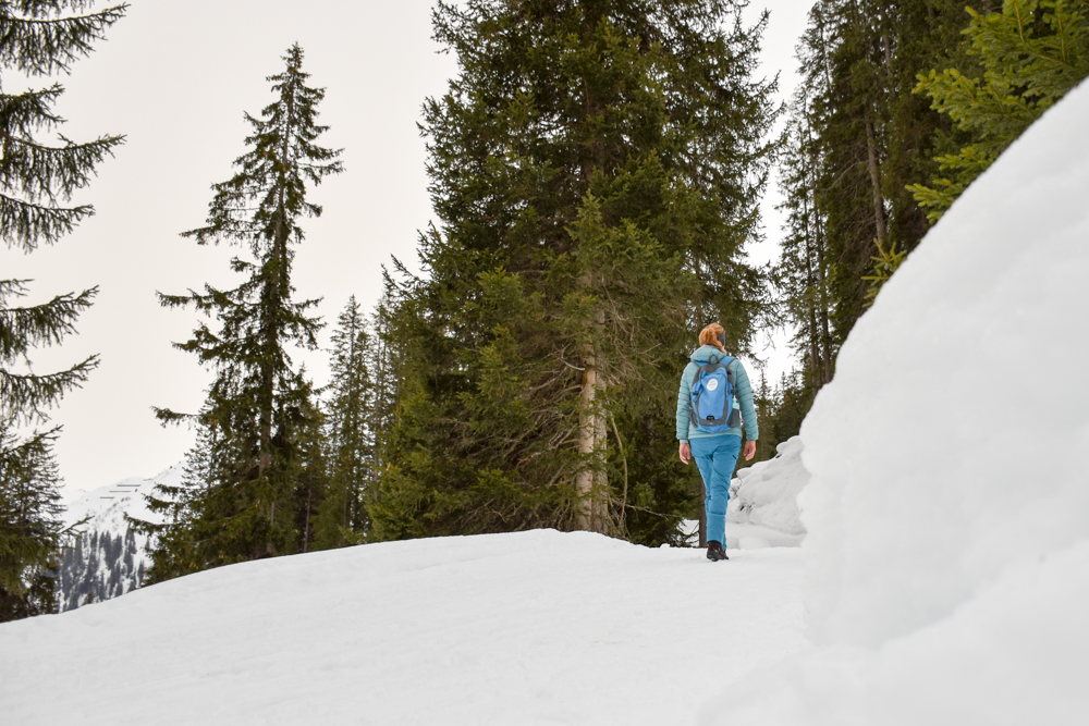 Ausflugstipp Winterwanderung Panoramaweg St. Antönien Pany Prättigau Graubünden Schweiz Travel Sisi Esther Mattle wandert