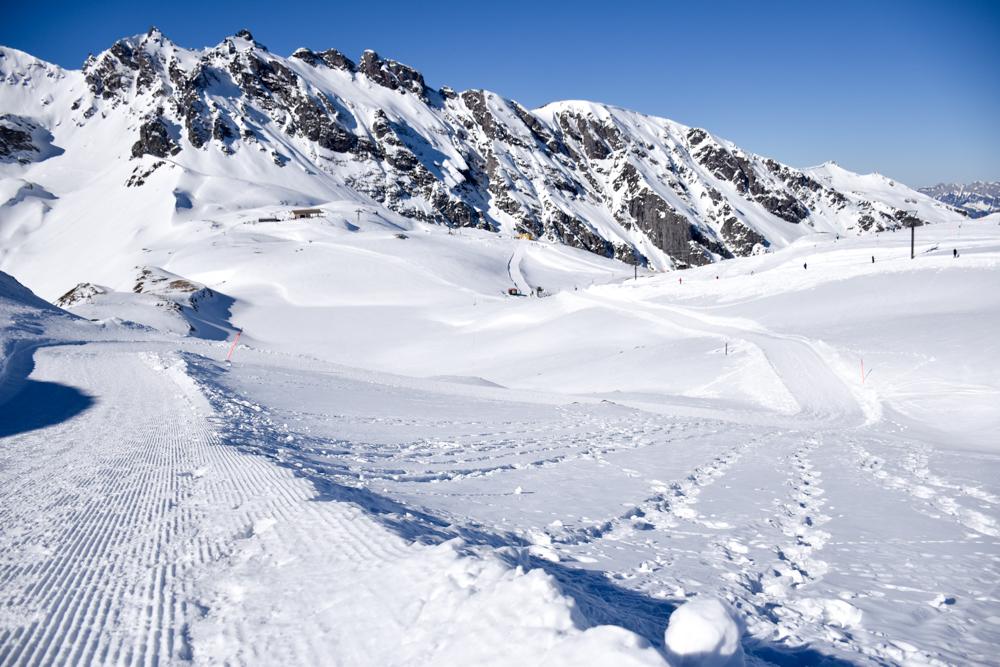Pizol Panorama Höhenweg Winterwanderung Heidiland Schweiz Weg zur Pizolhütte