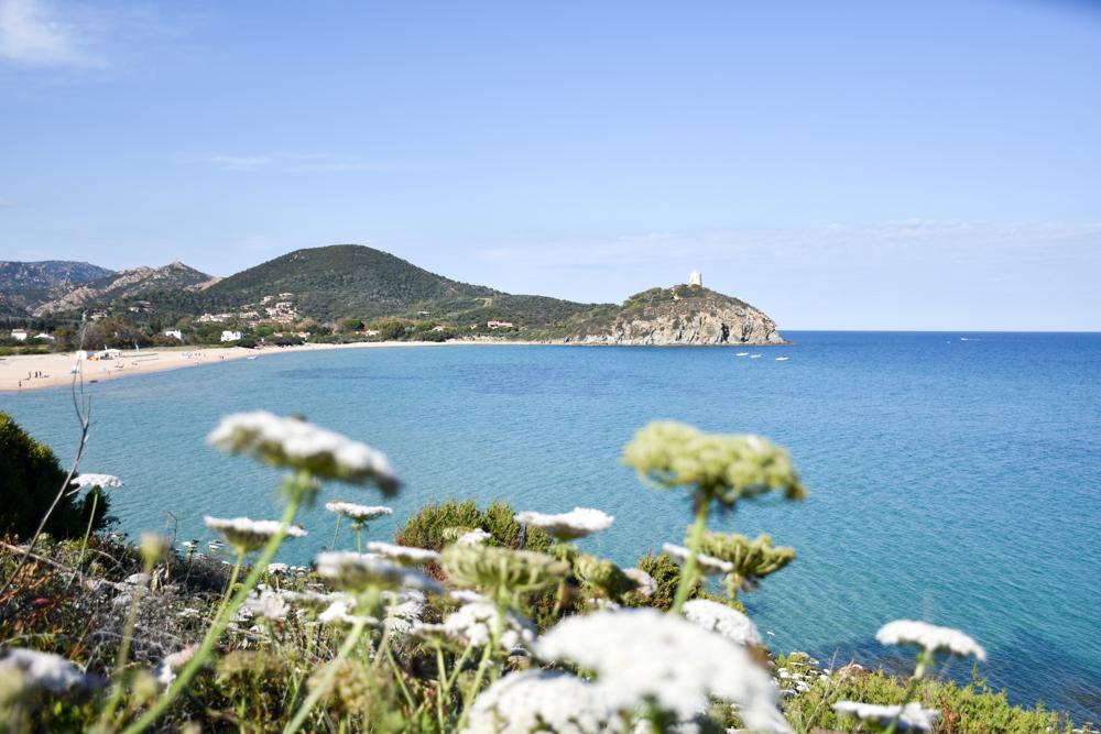 Sardinien Süden Reisetipps Highlights Unterkunft Restaurant Strand Blick zur Spiaggia di Monte Cogoni