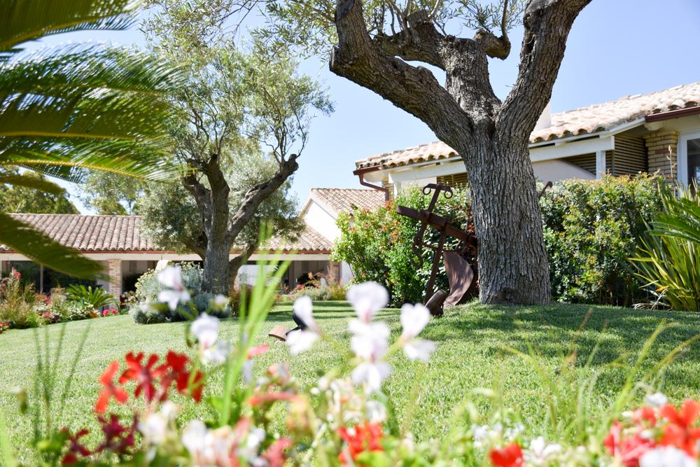 Sardinien Süden Reisetipps Highlights Unterkunft Restaurant Strand Eliantos Boutique Hotel Chia Garten