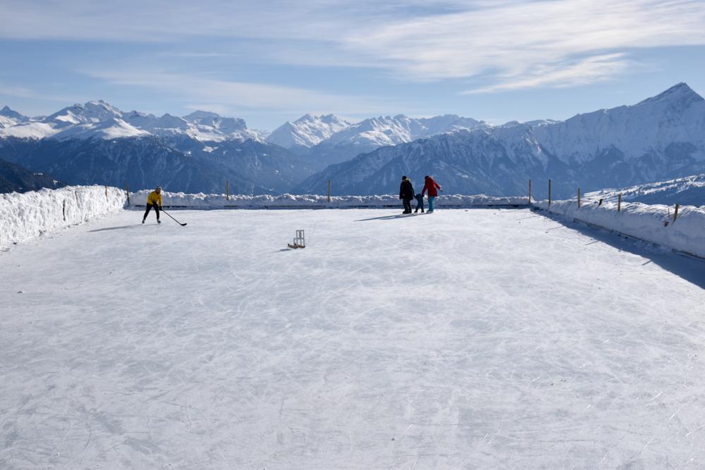 Winterwanderung Rundweg Feldis Viamala Graubünden Schweiz Eisfeld Alp Raguta