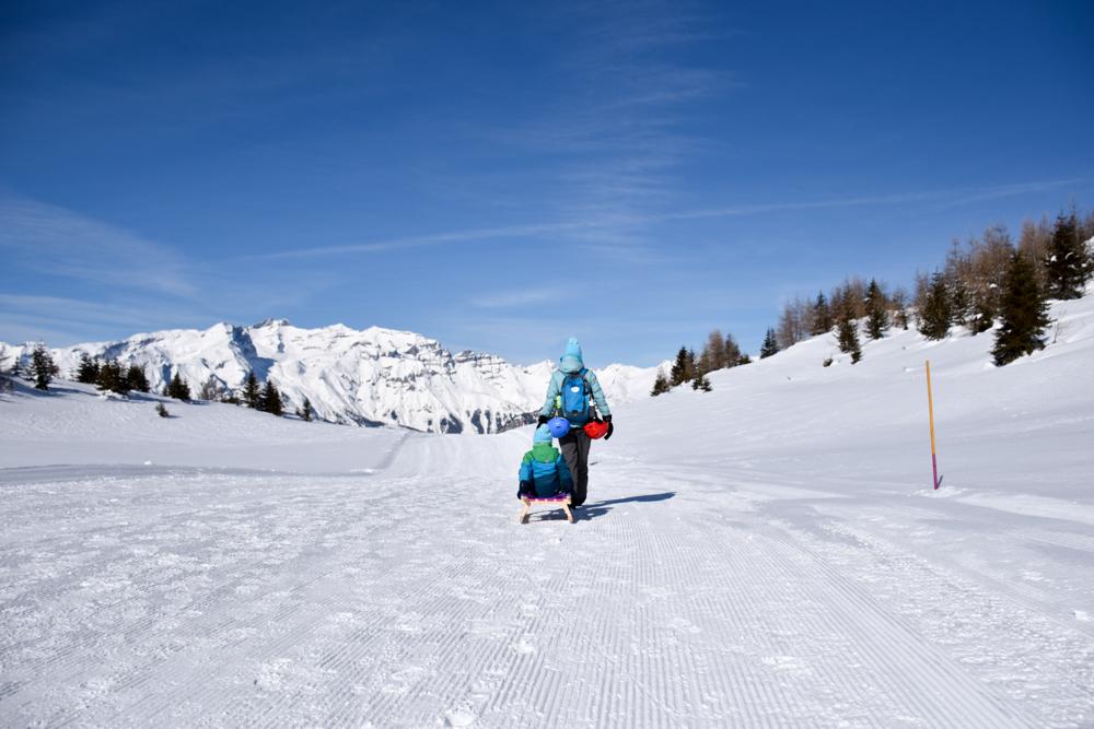 Winterwanderung Rundweg Feldis Viamala Graubünden Schweiz Travel Sisi Esther Mattle mit Kind unterwegs