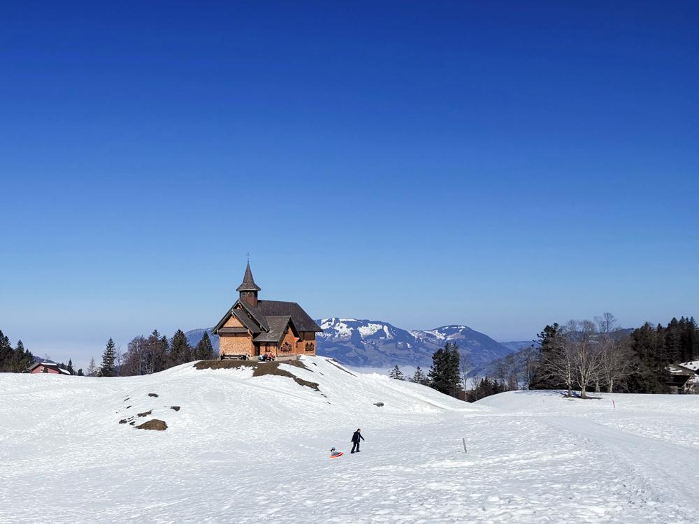 Familien-Skigebiet Stoos Schwyz Zentralschweiz Schweiz Kapelle