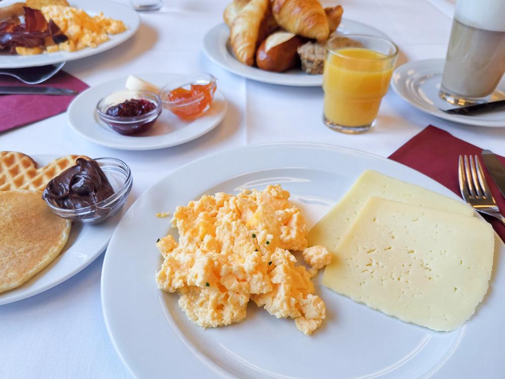 Unterkunft Reka-Ferienresort Swiss Holiday Park Morschach Schwyz Schweiz Frühstück