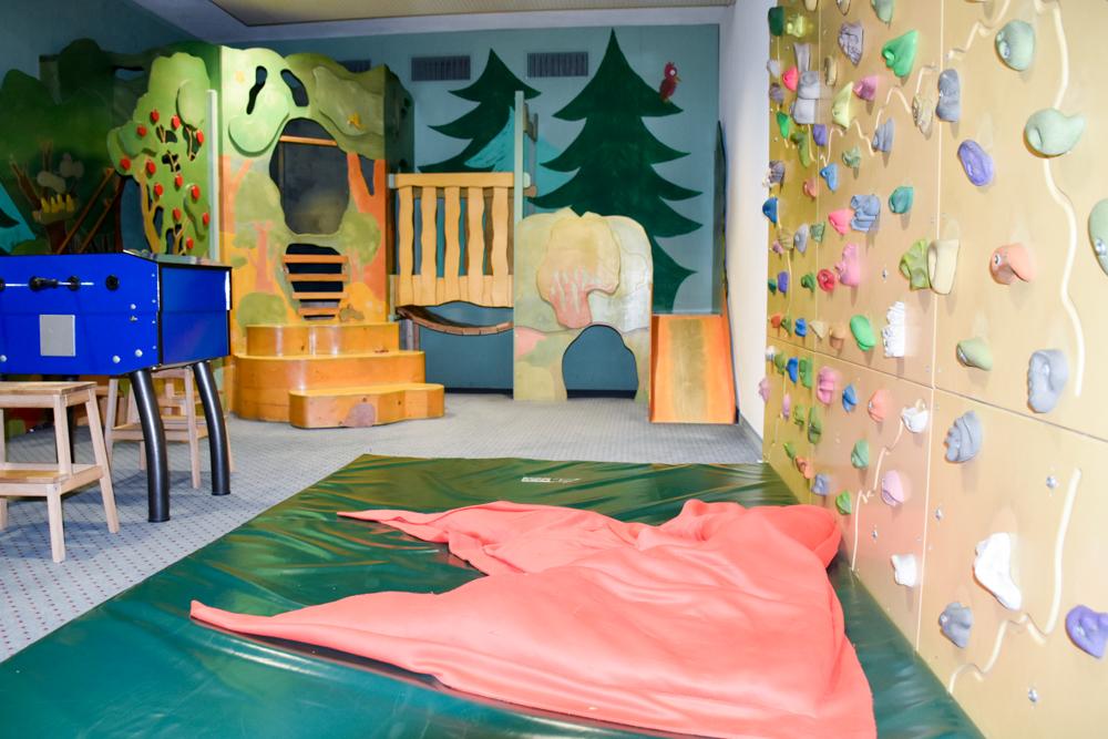 Unterkunft Reka-Ferienresort Swiss Holiday Park Morschach Schwyz Schweiz Spielzimmer TOMs Spielwald