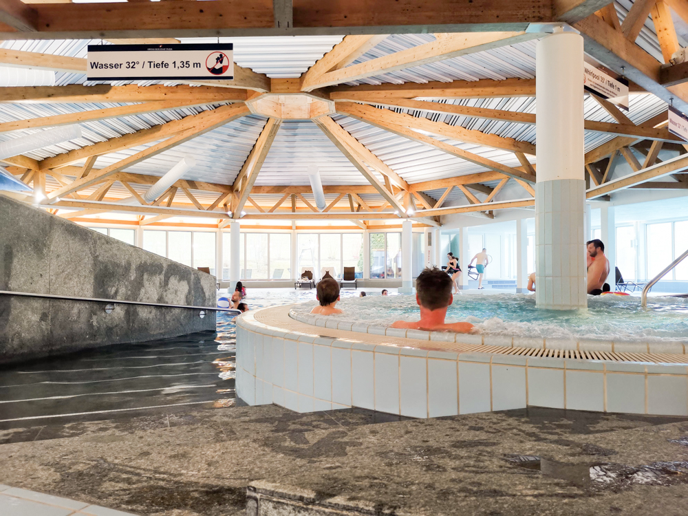 Unterkunft Reka-Ferienresort Swiss Holiday Park Morschach Schwyz Schweiz Whirlpool