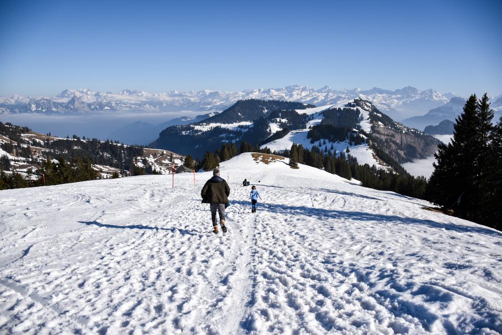 Winterwanderung Rigi Ausflug Familie Zentralschweiz Weg Richtung Rigi First
