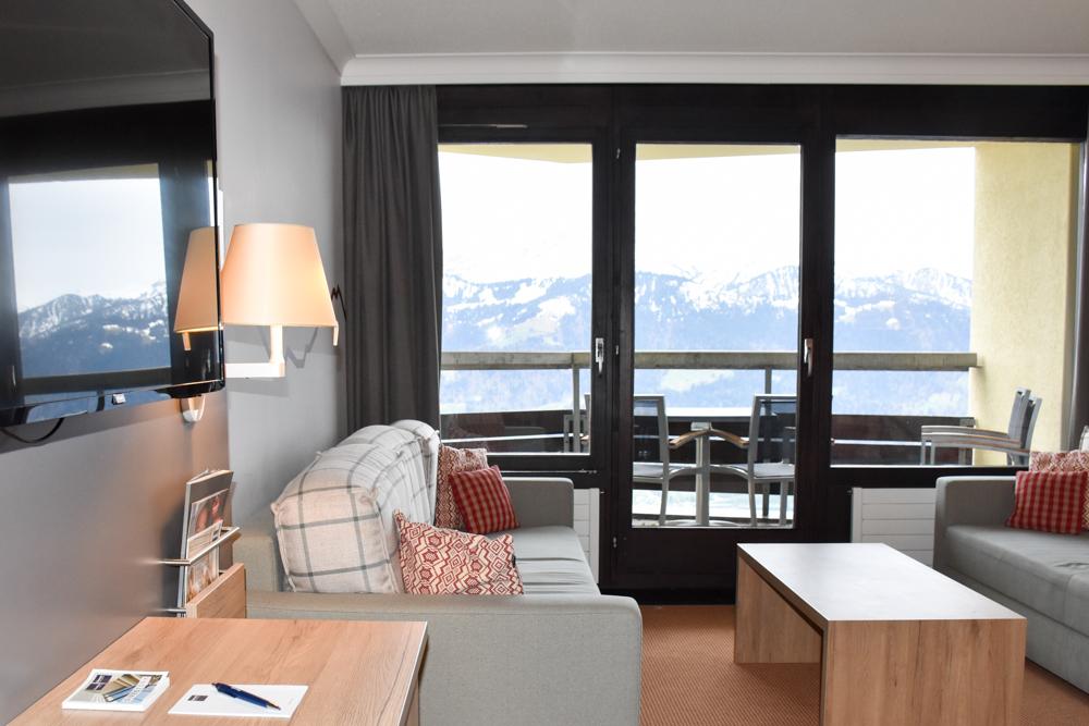 Interlaken Berner Oberland Schweiz mit Kind Dorint Hotel Beatenberg Zimmer mit Aussicht auf die Berner Alpen