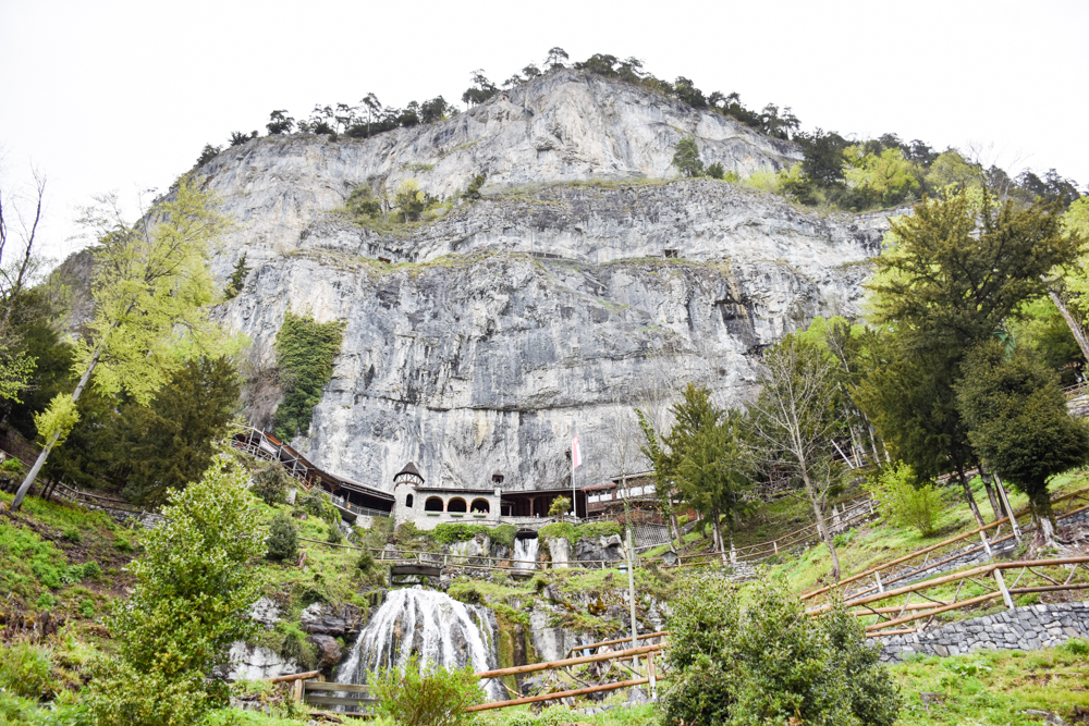 Interlaken Berner Oberland Schweiz mit Kind St. Beatus Höhlen
