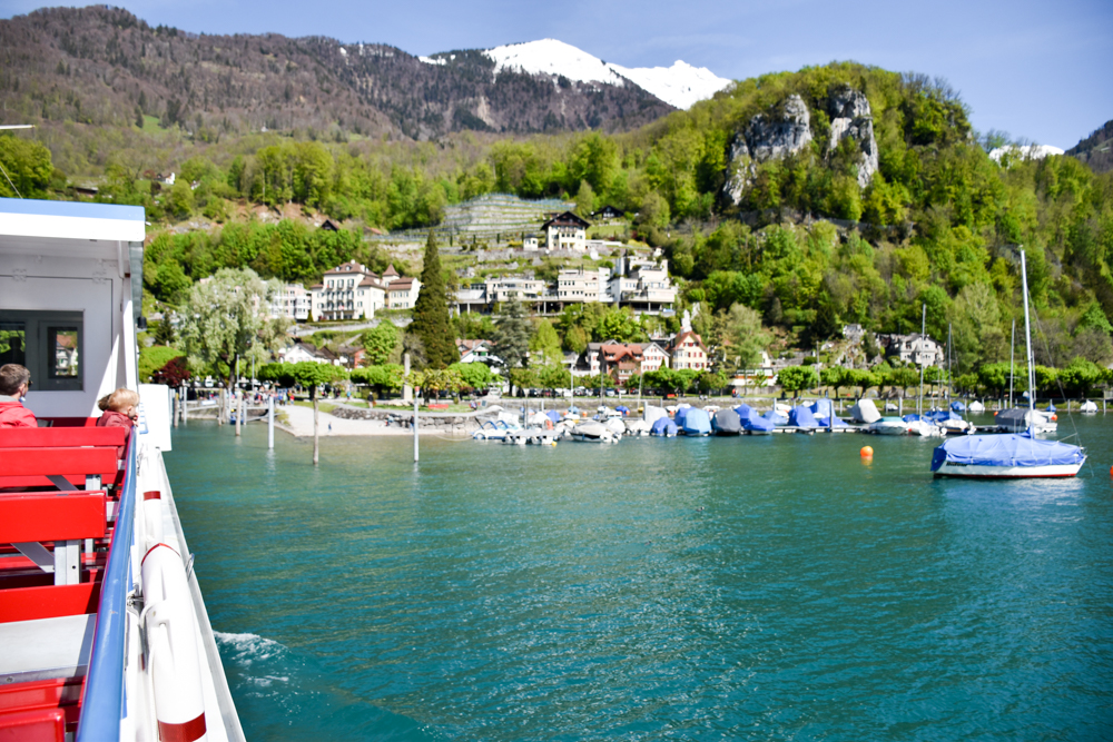 Spielerlebnis Walensee Heidiland Schweiz Einfahrt Hafen Weesen