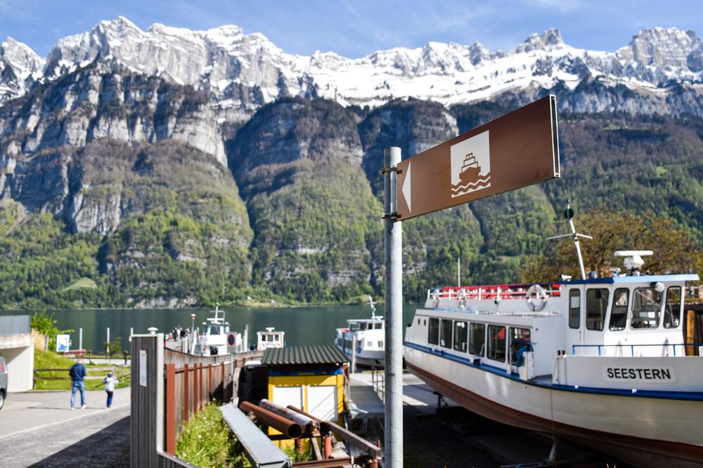 Spielerlebnis Walensee Heidiland Schweiz Hafen Unterterzen mit Churfirsten