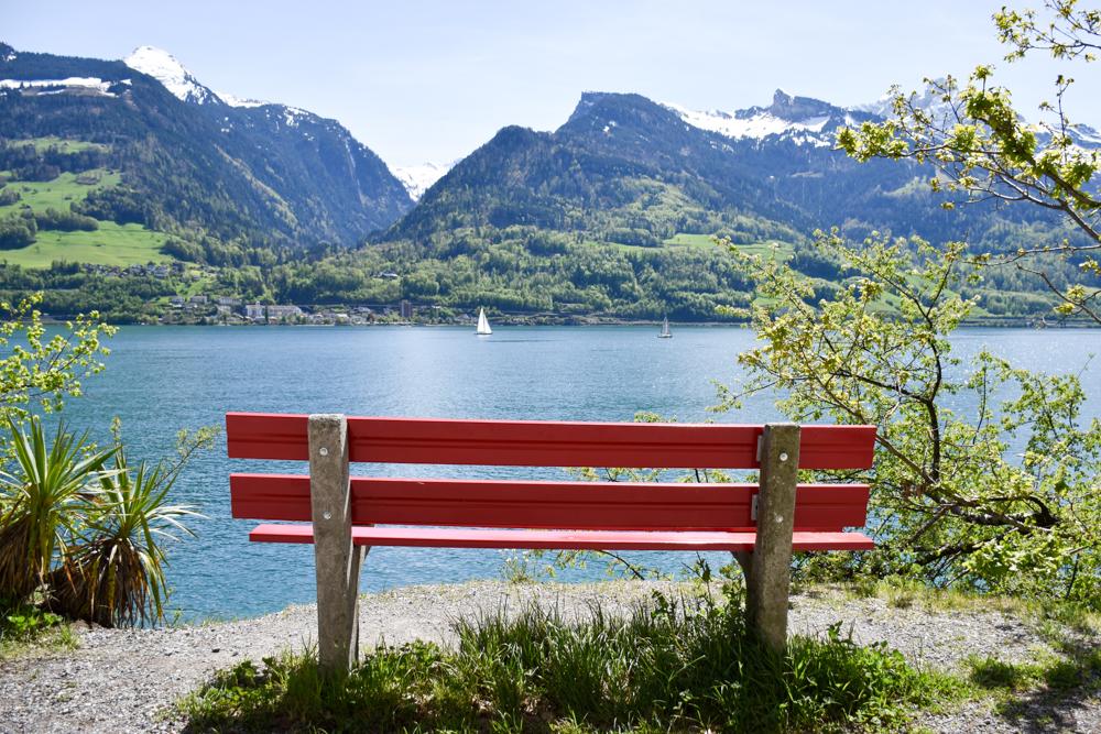 Spielerlebnis Walensee Heidiland Schweiz Sitzbank Quinten
