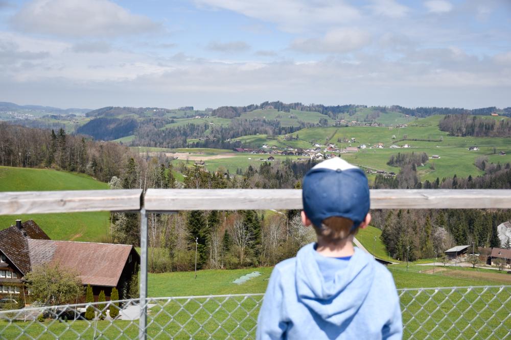 Ausflugstipp Ostschweiz Baumwipfelpfad Neckertal Maestranis Chocolarium Toggenburg Aussicht geniessen
