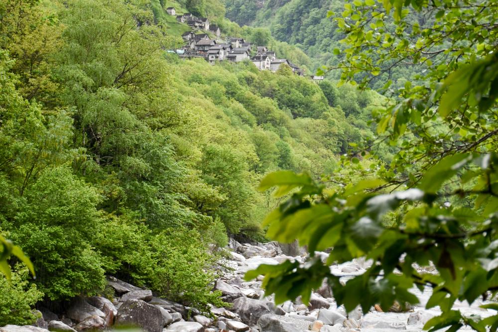 Ausflugstipp Tessin Kugelbahn Wanderung BoBosco Verzascatal Schweiz charmante Dörfer