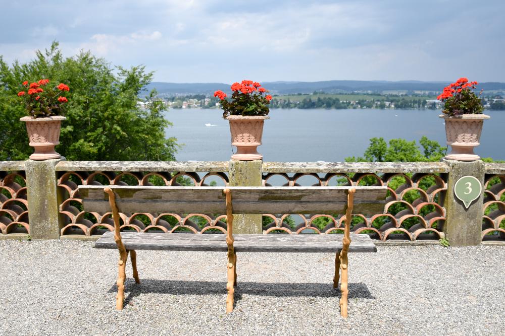 Familienroute Bodensee Rhein Bad Ragaz bis Schaffhausen Fahrradtour Schweiz Aussicht Bodensee Schloss Arenenberg