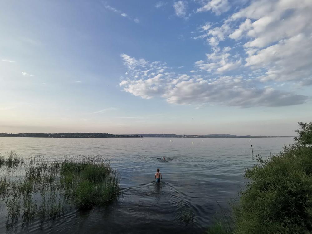 Familienroute Bodensee Rhein Bad Ragaz bis Schaffhausen Fahrradtour Schweiz Camping Fischerhaus Kreuzlingen Schwimmen im See
