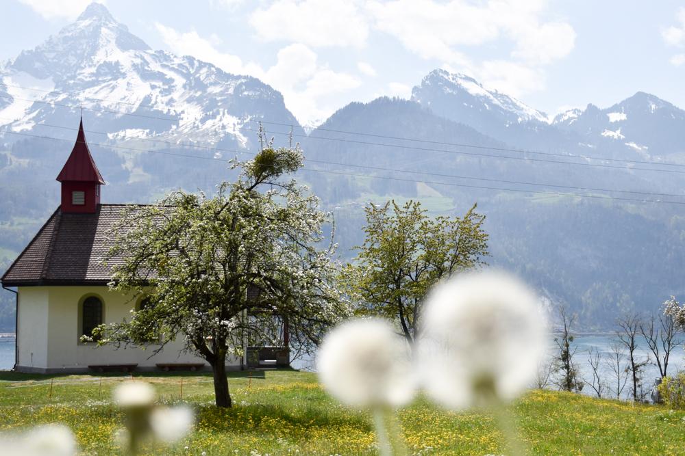 Themenwanderung Walensee Betlis Schweiz Amdo Mungg und Walis Schatz Kapelle Betlis