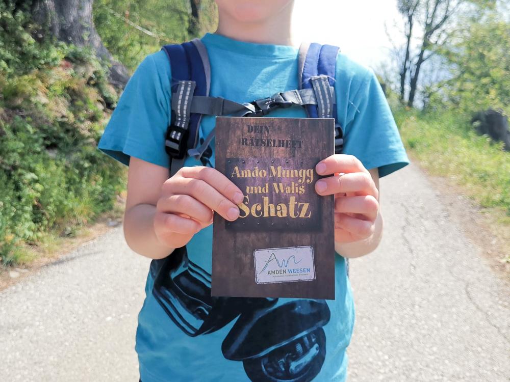 Themenwanderung Walensee Betlis Schweiz Amdo Mungg und Walis Schatz Schatzkarte
