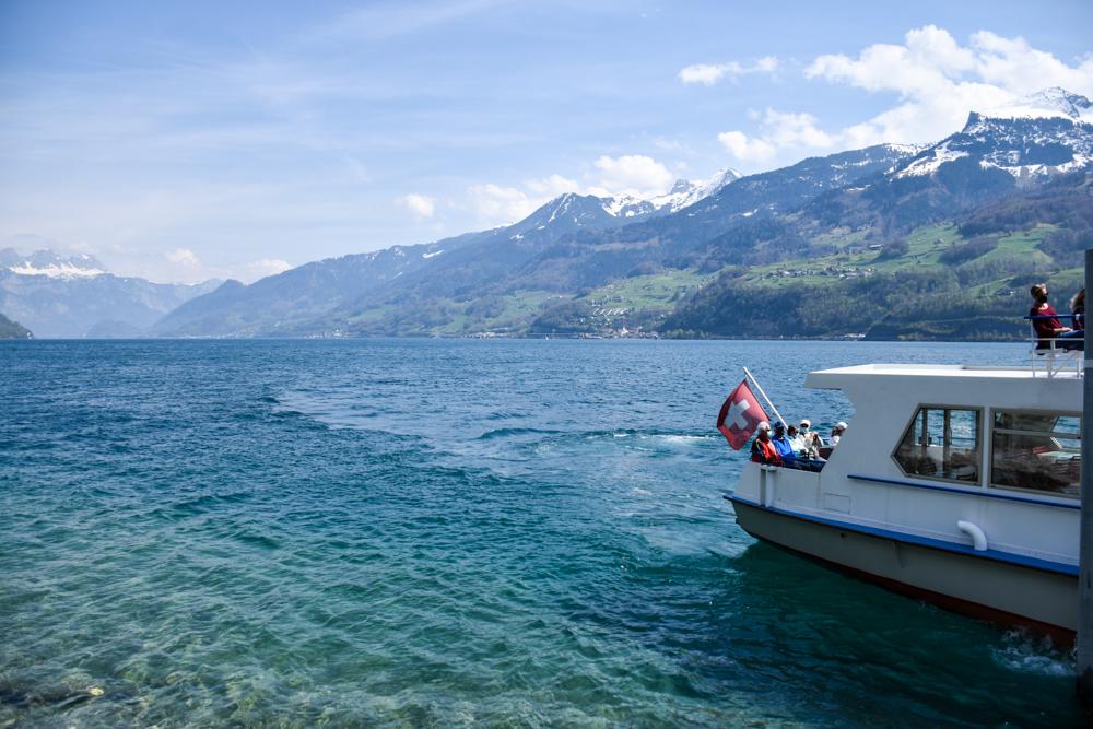 Themenwanderung Walensee Betlis Schweiz Amdo Mungg und Walis Schatz Schifffahrt Walensee