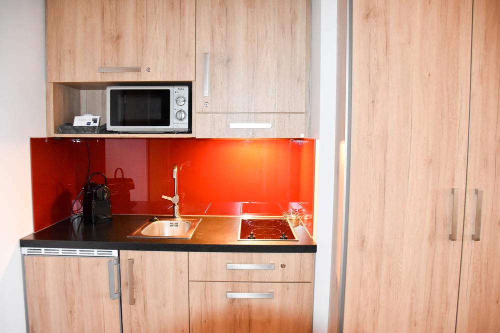 Unterkunftstipp Hotel Dorint Blüemlisalp Beatenberg Interlaken Schweiz Küche Appartement Maisonette