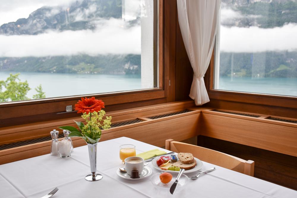 Hoteltipp Walensee Schweiz Quarten Hotel Neu-Schönstatt Frühstück mit Aussicht