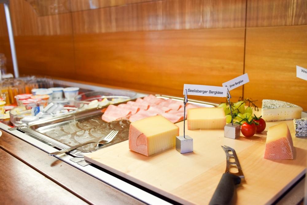Hoteltipp Walensee Schweiz Quarten Hotel Neu-Schönstatt Frühstücksbuffet