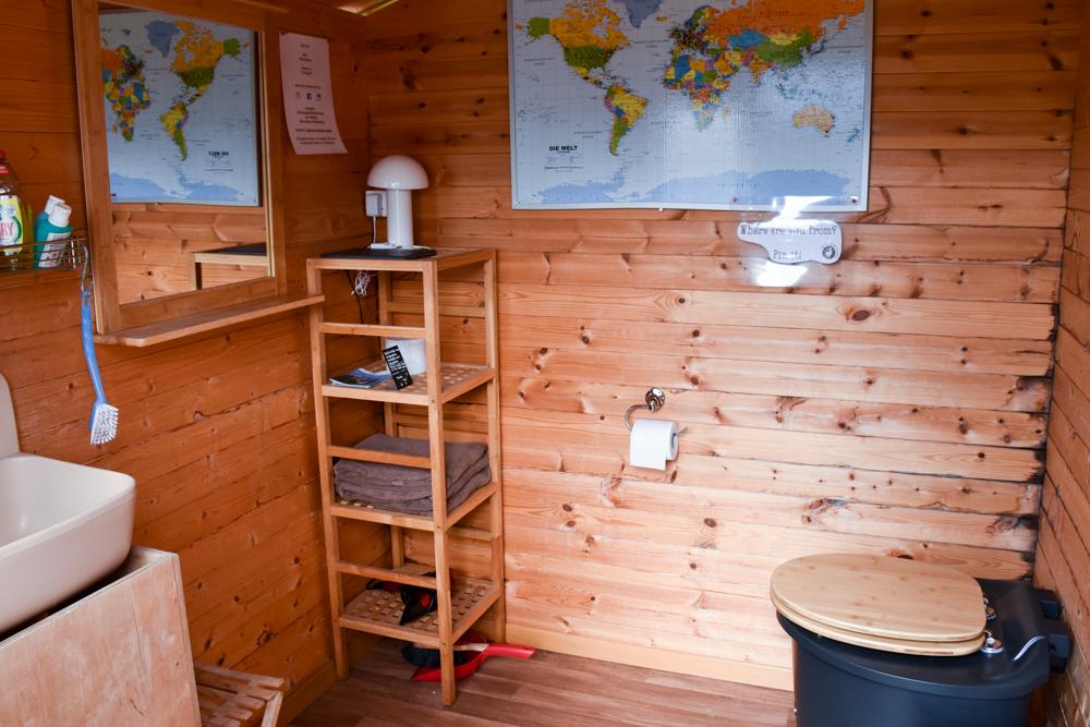 Lamatrekking Tipi Übernachtung Liechtenstein Badezimmer