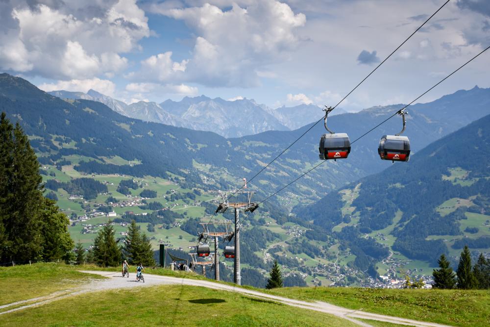 Ausflugstipp Erlebnisberg Golm Montafon Österreich Aussicht übers Tal von Matschwitz