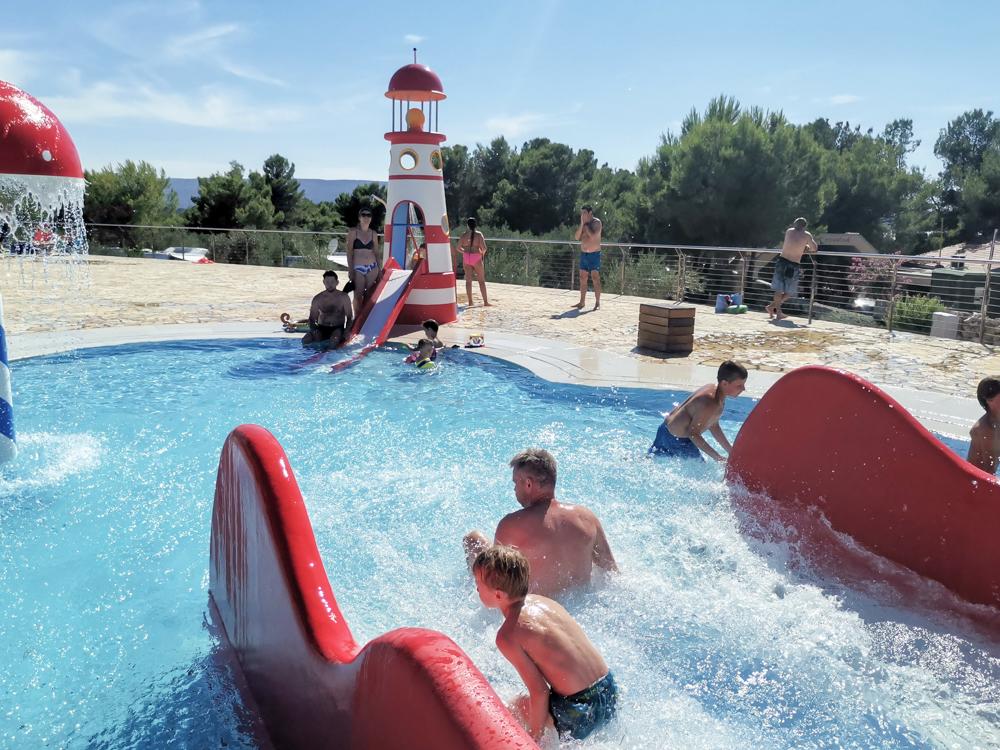 Camping Rundreise Kroatien Familie Pool Camping Kovacine